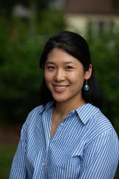 Stephanie J Zhu