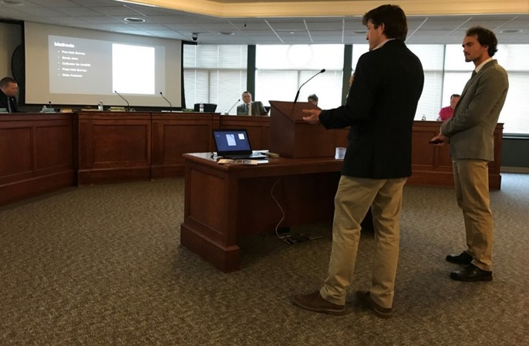 UNH-students-city-council-presentation